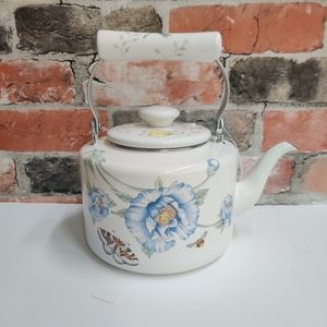 Vintage french country enameled tea pot